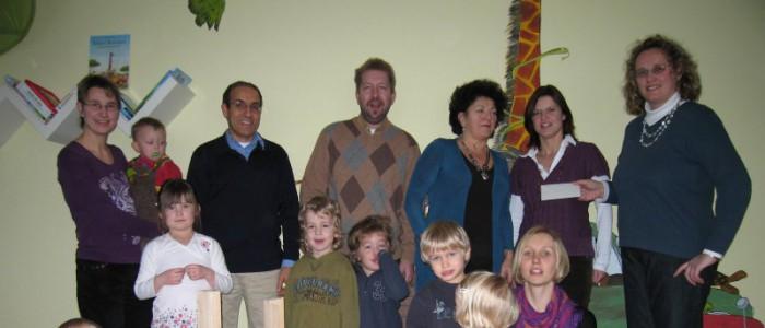 Übergabe des Sitzungsgeldes der FW Fraktion an die Mutter Kind Gruppe